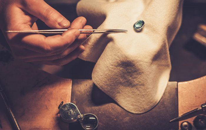Craft jewellery usingf Permalac NT
